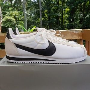 Nike Classic Cortez Be True QS shoes